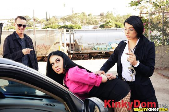 8thStreetLatinas, RealityKings - Gina Valentina, Victoria June - Hooker On The Run [432p] (Group sex)